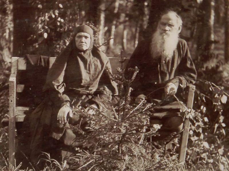Tolstoy_zast