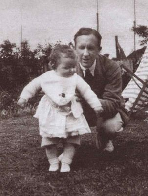Tolkien_and_daughter_Priscilla