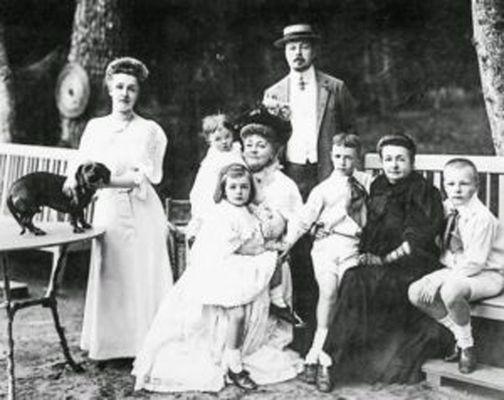 1-Nabokov_family